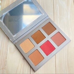 Iconic London Blaze Chaser Face Palette NEW